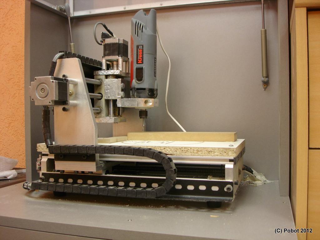 Machine Pour Fabriquer Des Stylos En Bois - Un FabLabà Sophia Antipolis PoBot