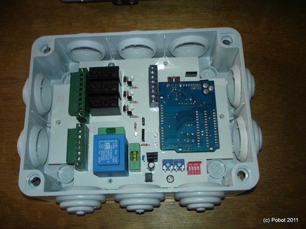 Quelque chose de nouveau assez Boitier pour Arduino avec relais 220 volts - PoBot #IU_53